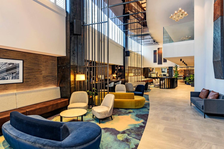 aklfp-hotel-lobby-5465-hor-wide